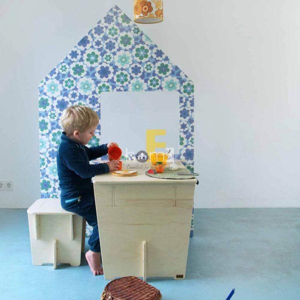 Bàn trẻ em hình ngôi nhà KP012